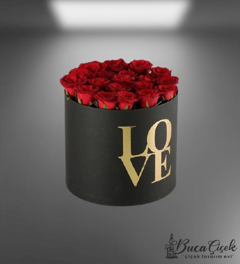 Love Kutuda Kırmızı Güller